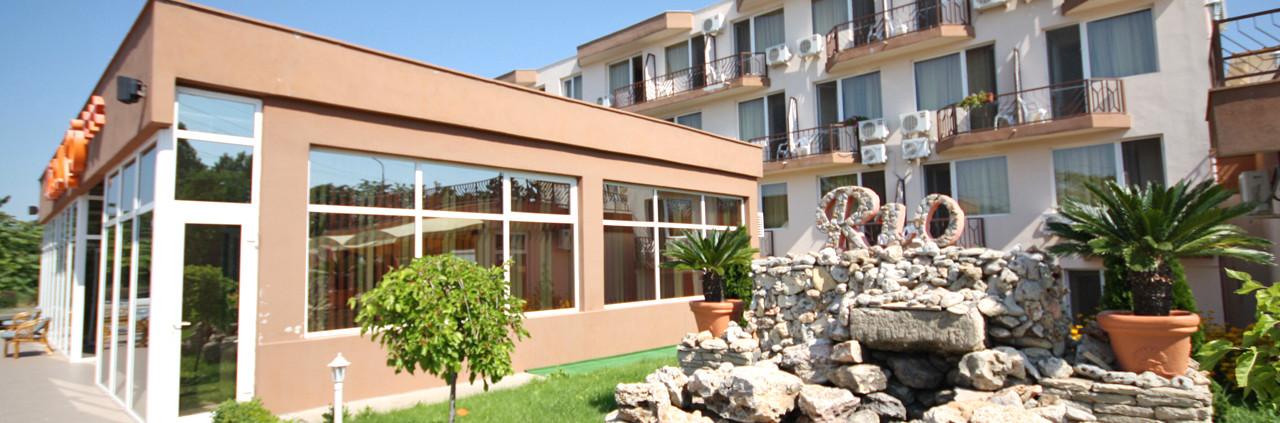 intrare-hotel1-1280×423